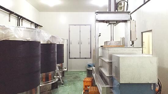 コンパクト仕込圧搾室